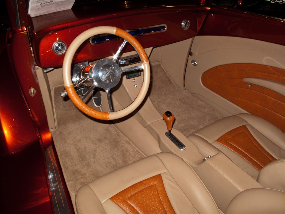 1939 FORD CUSTOM CABRIOLET - Interior - 116074
