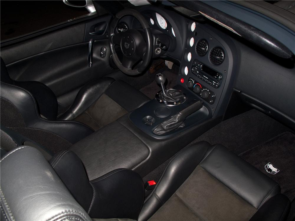 2004 DODGE VIPER SRT/10 CONVERTIBLE - Interior - 116086