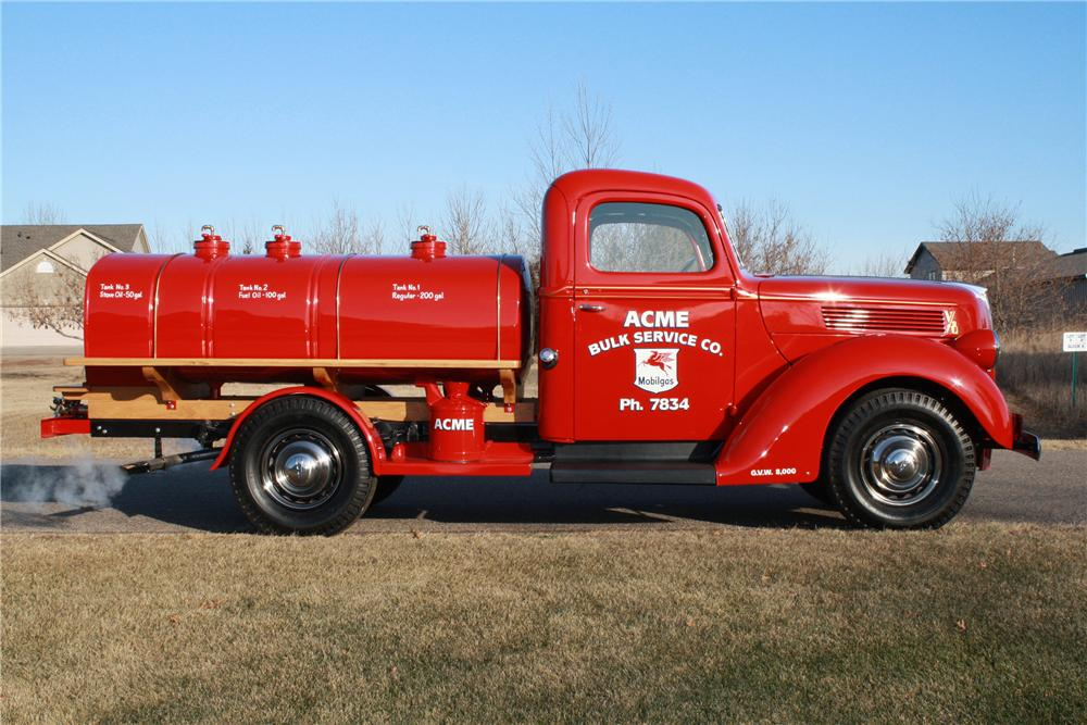 1940 FORD 3/4 TON TANKER TRUCK - Side Profile - 116110