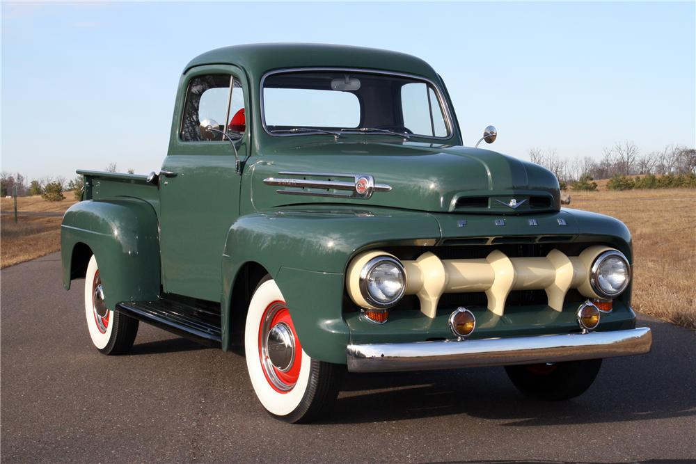 1952 FORD F-1 SHORTBOX PICKUP - Front 3/4 - 116113