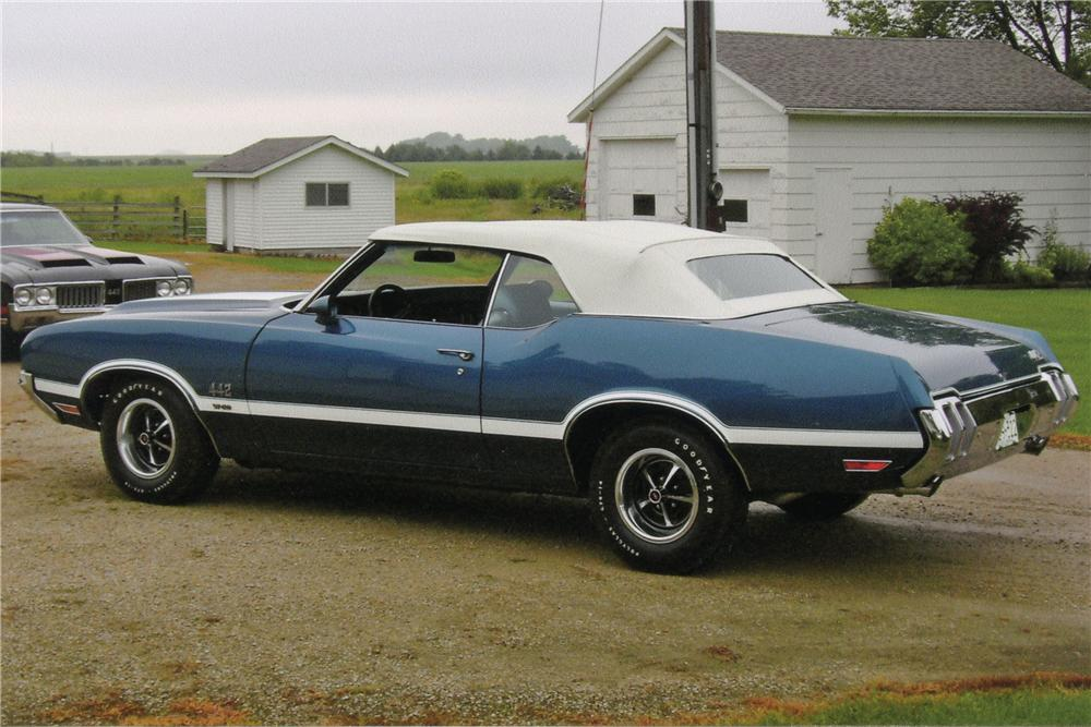 1970 OLDSMOBILE 442 W30 CONVERTIBLE - Side Profile - 116154