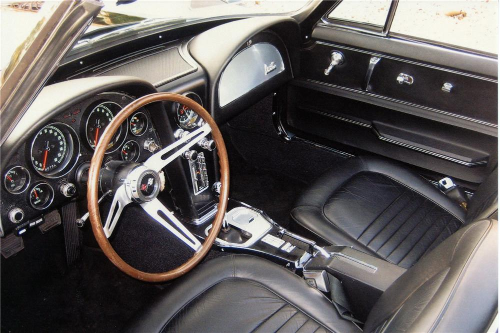 1967 CHEVROLET CORVETTE CONVERTIBLE - Interior - 116164