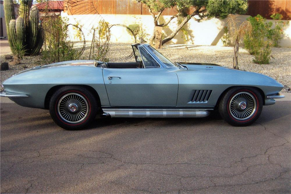 1967 CHEVROLET CORVETTE CONVERTIBLE - Side Profile - 116164
