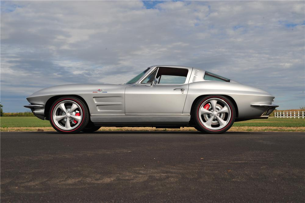 1963 CHEVROLET CORVETTE CUSTOM COUPE - Side Profile - 116170