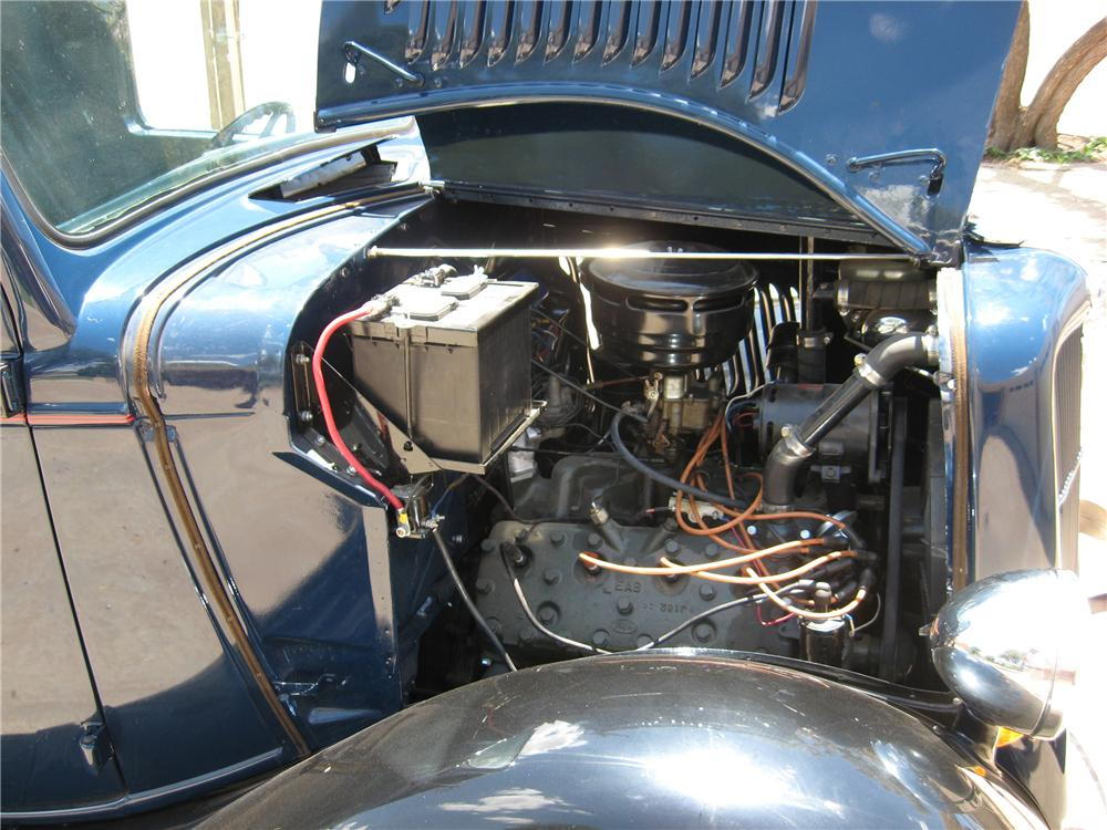 1935 FORD CUSTOM PICKUP - Engine - 116180