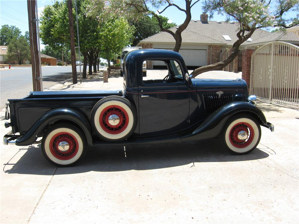 1935 FORD CUSTOM PICKUP - Side Profile - 116180