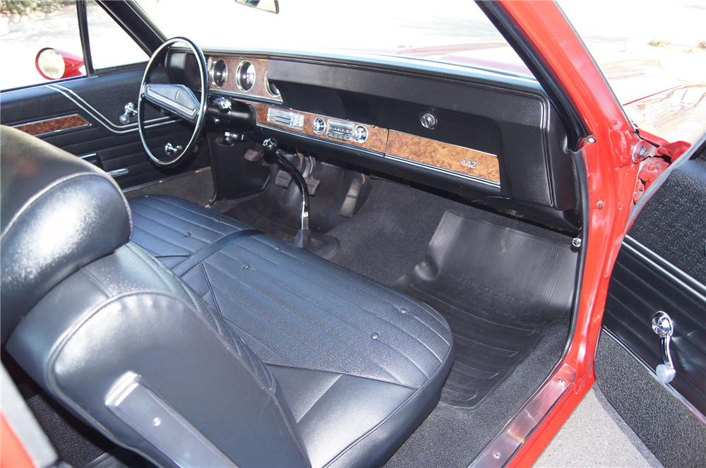 1970 OLDSMOBILE 442 W30 POST COUPE - Interior - 116181