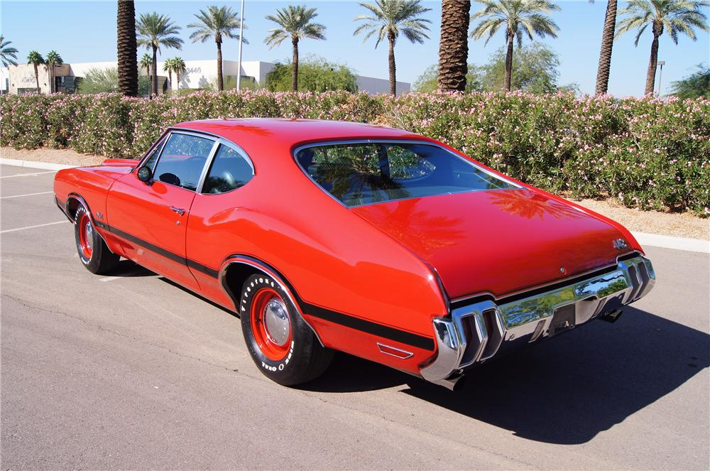 1970 OLDSMOBILE 442 W30 POST COUPE - Rear 3/4 - 116181