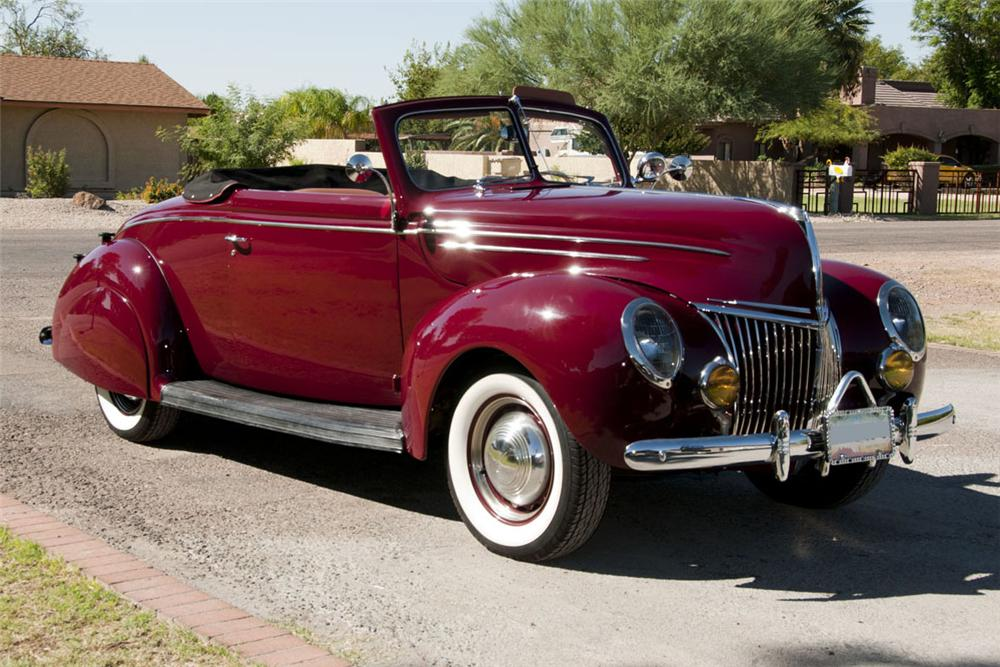 1939 FORD DELUXE CUSTOM CONVERTIBLE W/RUMBLESEAT - Front 3/4 - 116189