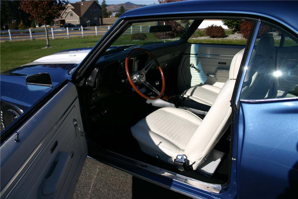 1969 CHEVROLET CAMARO Z/28 COUPE - Interior - 116192
