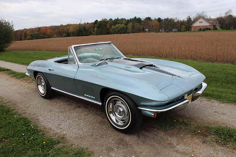 1967 CHEVROLET CORVETTE CONVERTIBLE - Front 3/4 - 116196