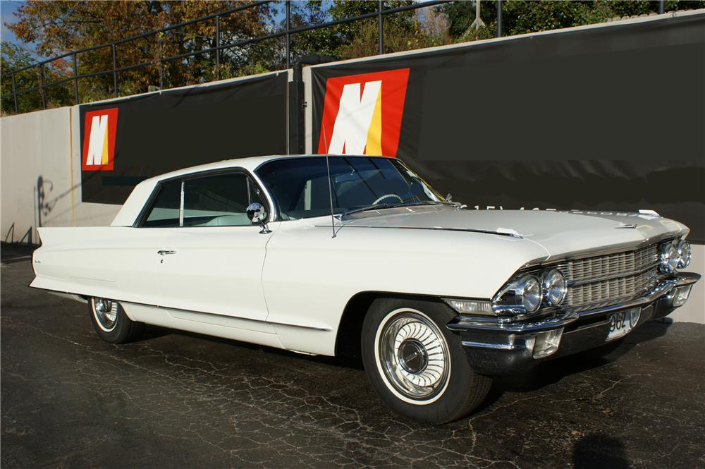 1962 CADILLAC SERIES 62 2 DOOR COUPE - Front 3/4 - 116204