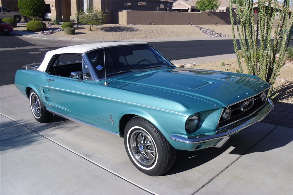 1967 FORD MUSTANG CONVERTIBLE - Front 3/4 - 116219
