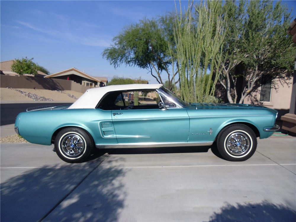 1967 FORD MUSTANG CONVERTIBLE - Side Profile - 116219