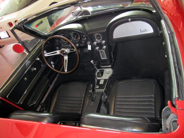 1967 CHEVROLET CORVETTE CONVERTIBLE - Interior - 116220