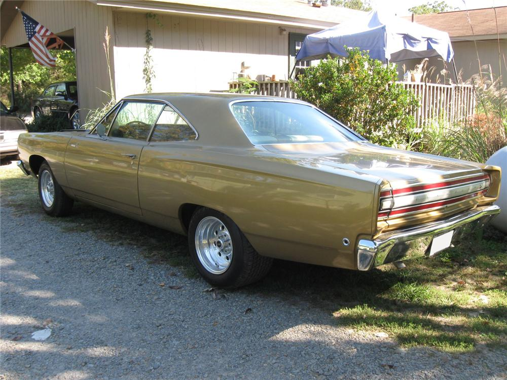 1968 PLYMOUTH ROAD RUNNER 2 DOOR HARDTOP - Rear 3/4 - 116243