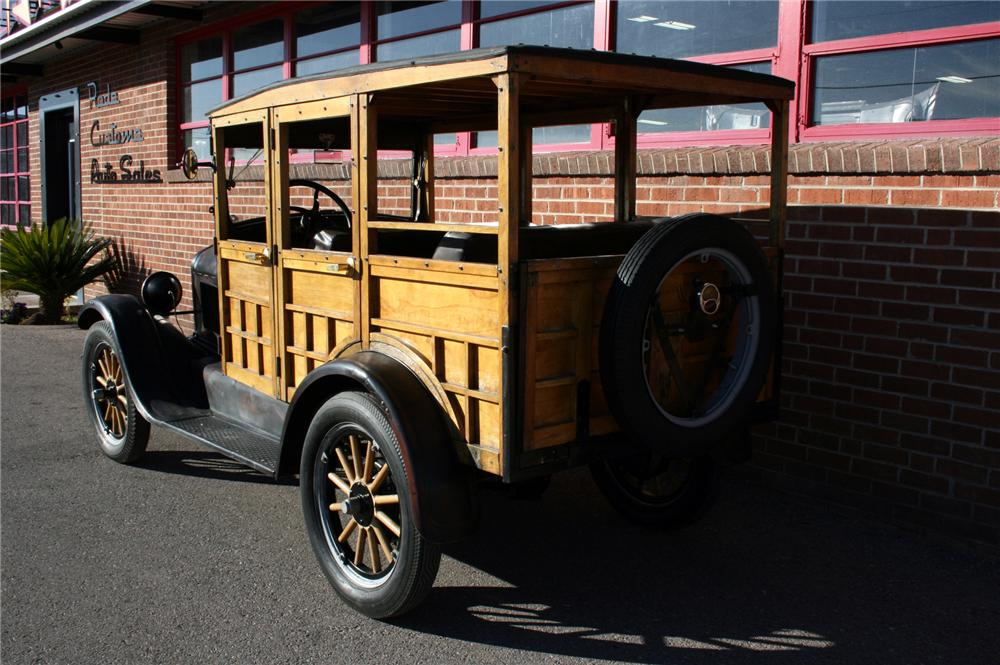 1926 FORD MODEL T WOODY WAGON - Rear 3/4 - 116255