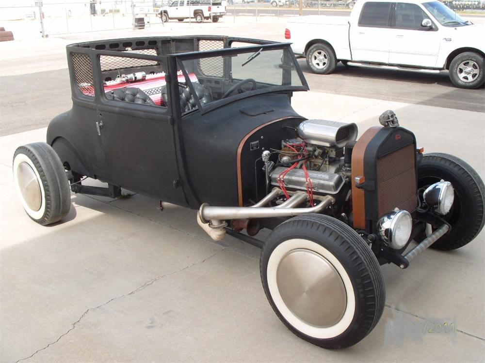 1927 FORD MODEL T CUSTOM COUPE - Front 3/4 - 116259