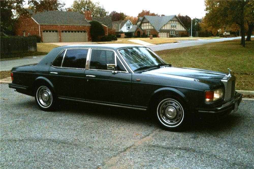 1989 ROLLS-ROYCE SILVER SPIRIT 4 DOOR SEDAN - Front 3/4 - 116264