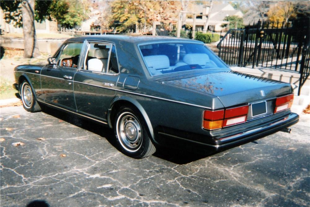 1989 ROLLS-ROYCE SILVER SPIRIT 4 DOOR SEDAN - Rear 3/4 - 116264