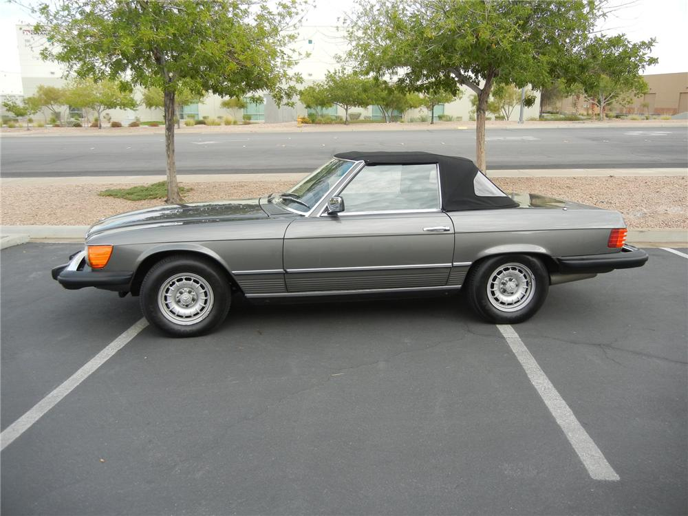 1980 MERCEDES-BENZ 450SL CONVERTIBLE - Side Profile - 116282