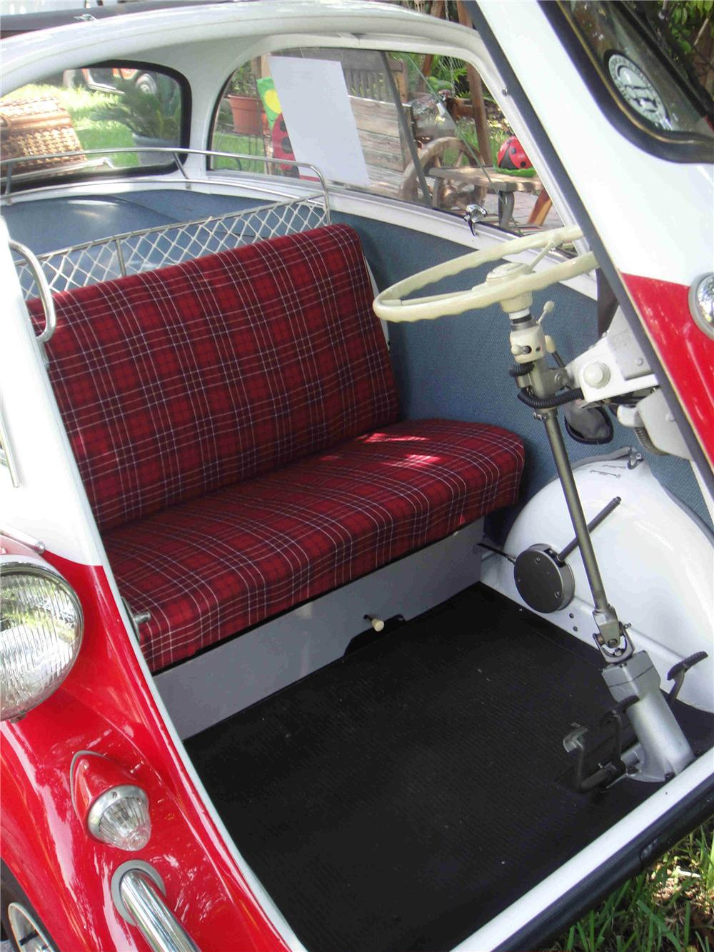 1957 BMW ISETTA COUPE - Interior - 116285