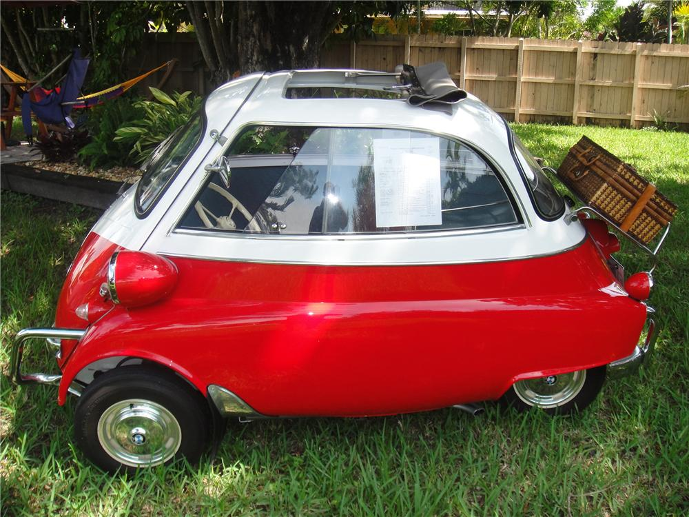 1957 BMW ISETTA COUPE - Side Profile - 116285