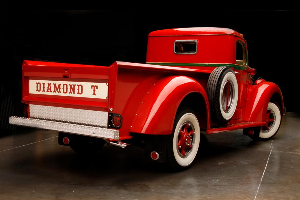 1949 DIAMOND T 201 PICKUP - Rear 3/4 - 116296