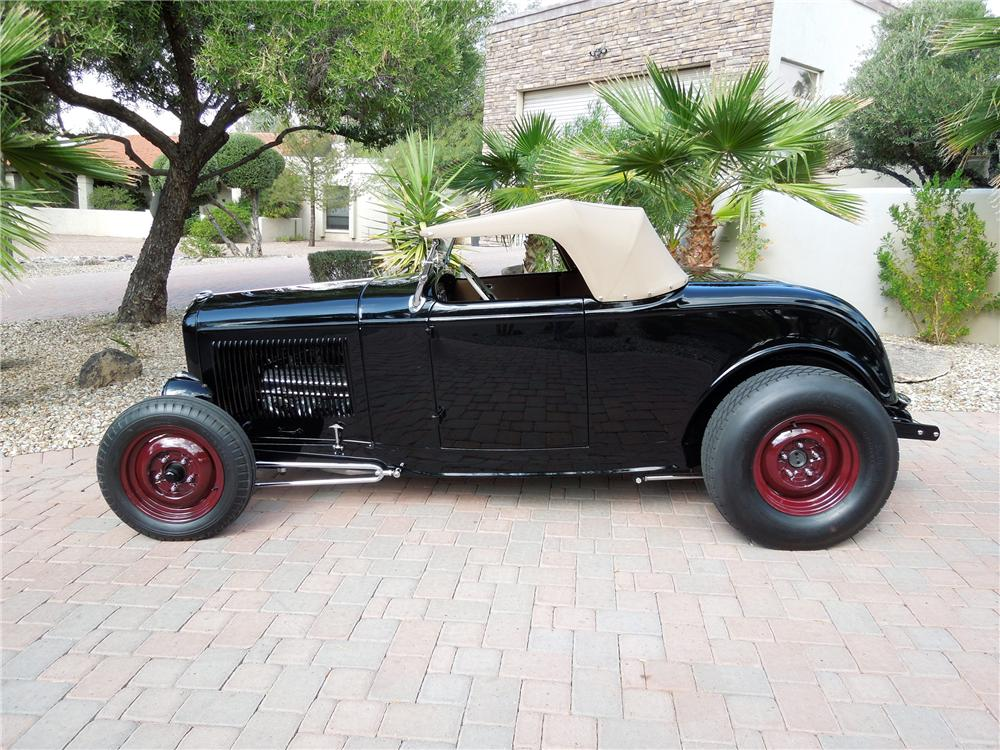 1932 FORD HI-BOY CUSTOM ROADSTER - Side Profile - 116301