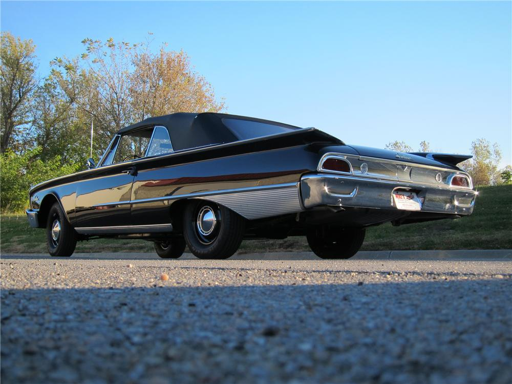 1960 FORD SUNLINER CONVERTIBLE - Rear 3/4 - 116307