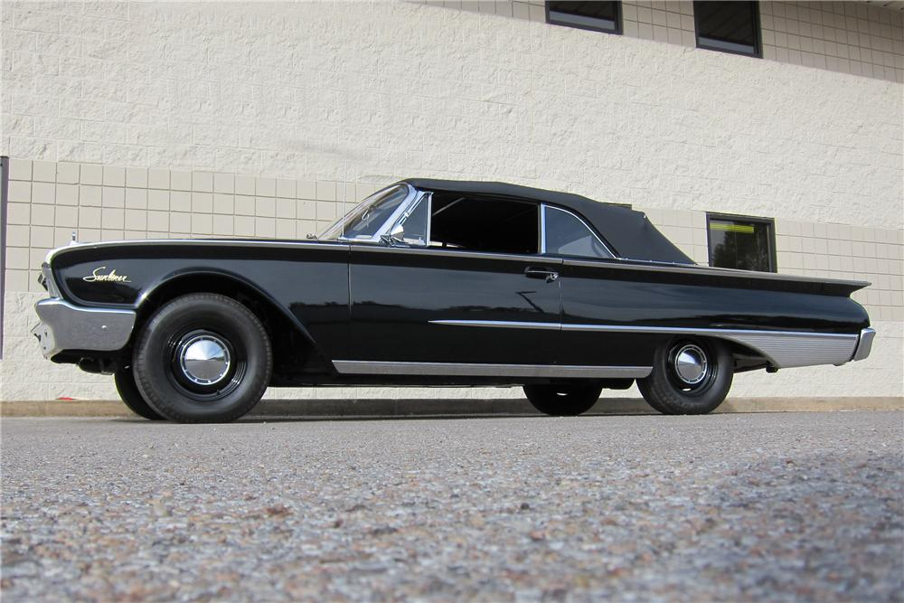 1960 FORD SUNLINER CONVERTIBLE - Side Profile - 116307