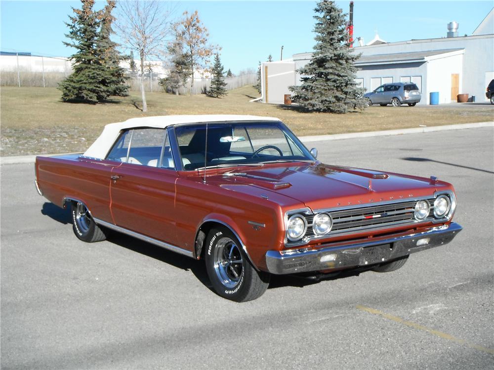 1967 PLYMOUTH GTX CONVERTIBLE - Front 3/4 - 116334