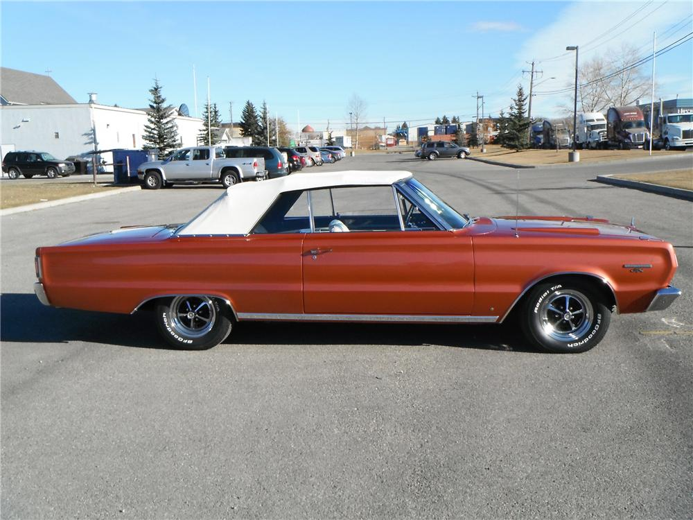 1967 PLYMOUTH GTX CONVERTIBLE - Side Profile - 116334