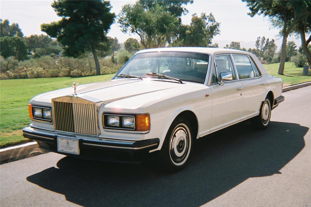 1988 ROLLS-ROYCE SILVER SPUR 4 DOOR SEDAN - Front 3/4 - 116345