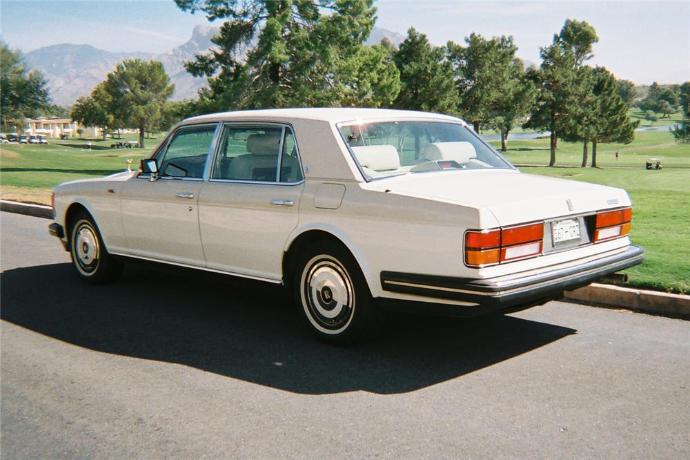 1988 ROLLS-ROYCE SILVER SPUR 4 DOOR SEDAN - Rear 3/4 - 116345