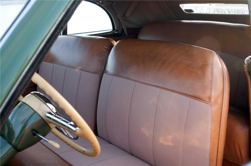 1949 PACKARD VICTORIA CONVERTIBLE - Interior - 116348