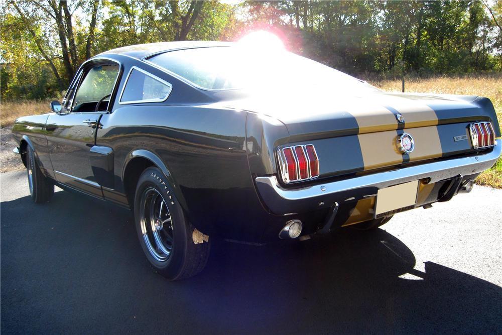 1966 SHELBY GT350H FASTBACK - Rear 3/4 - 116359