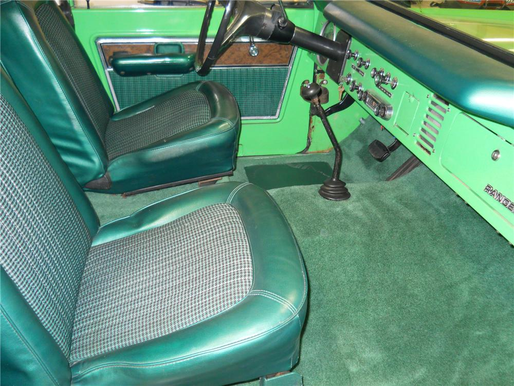 1977 FORD BRONCO WAGON - Interior - 116370