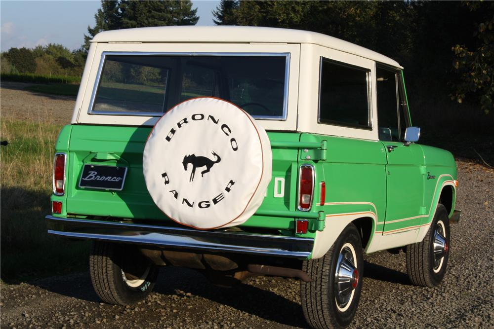 1977 FORD BRONCO WAGON - Rear 3/4 - 116370
