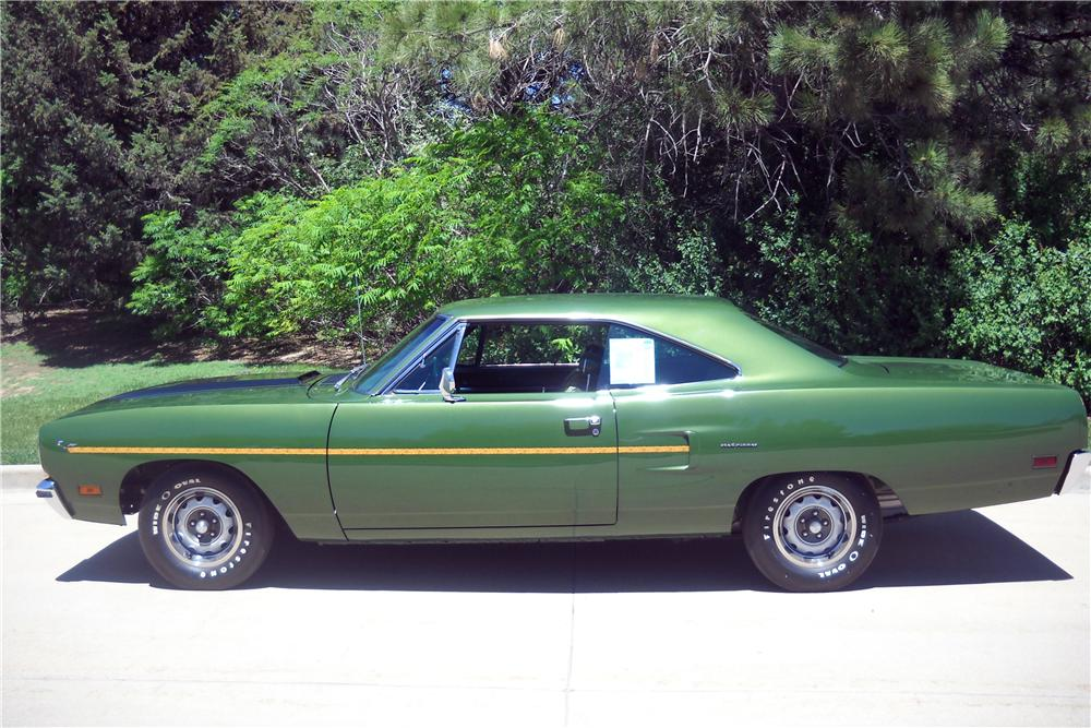 1970 PLYMOUTH ROAD RUNNER 2 DOOR COUPE - Side Profile - 116376