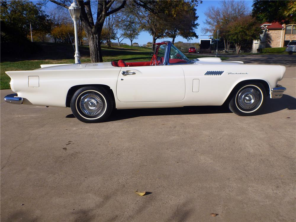 1957 FORD THUNDERBIRD CONVERTIBLE - Side Profile - 116382