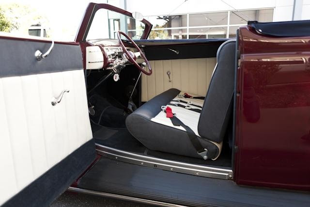 1935 FORD CUSTOM CONVERTIBLE - Interior - 116395