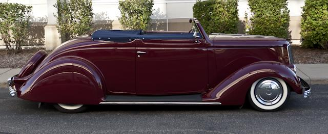 1935 FORD CUSTOM CONVERTIBLE - Side Profile - 116395