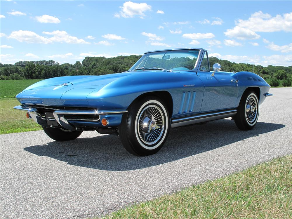 1965 CHEVROLET CORVETTE CONVERTIBLE - Front 3/4 - 116398