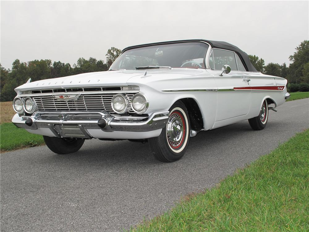 1961 CHEVROLET IMPALA SS CONVERTIBLE - Front 3/4 - 116407