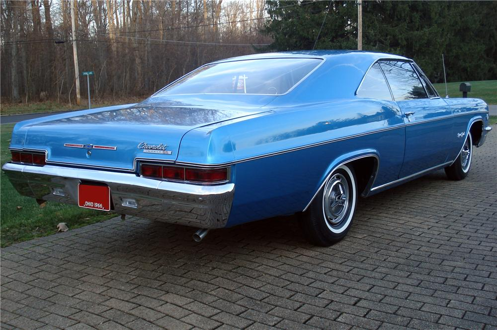 1966 CHEVROLET IMPALA SS 2 DOOR COUPE - Rear 3/4 - 116436
