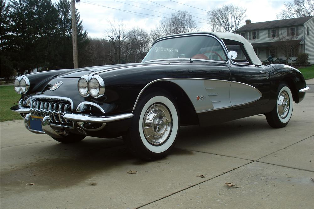 1958 CHEVROLET CORVETTE CONVERTIBLE - Front 3/4 - 116439