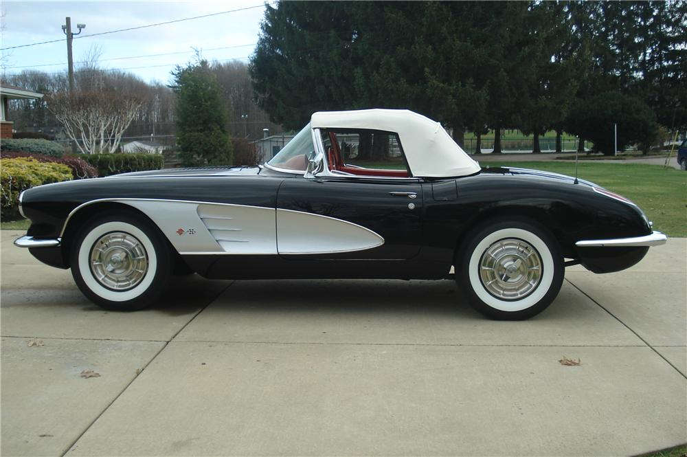 1958 CHEVROLET CORVETTE CONVERTIBLE - Side Profile - 116439