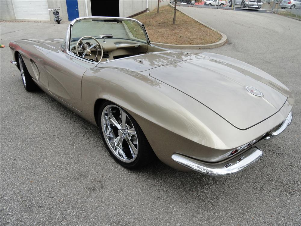1962 CHEVROLET CORVETTE CUSTOM CONVERTIBLE - Rear 3/4 - 116441