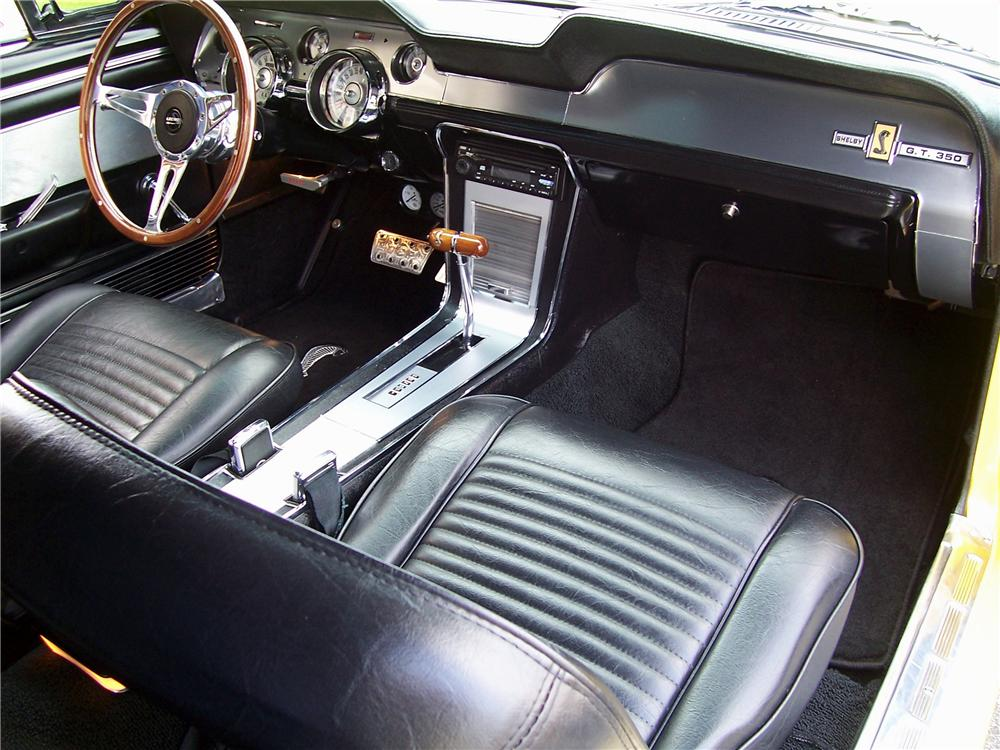 1967 FORD MUSTANG CUSTOM FASTBACK - Interior - 116452